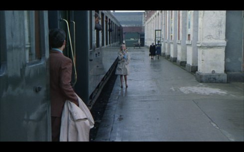 the-umbrellas-of-cherbourg-17