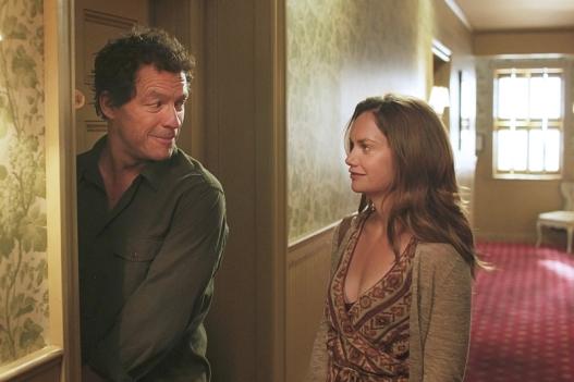 the-affair-season-1-episode-4-dominic-west-ruth-wilson-3.r.jpg
